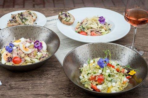 Könnyed salátázás a Bazilika árnyékában