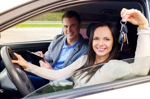 KRESZ és műszaki elmélet oktatás 30 óra vezetéssel