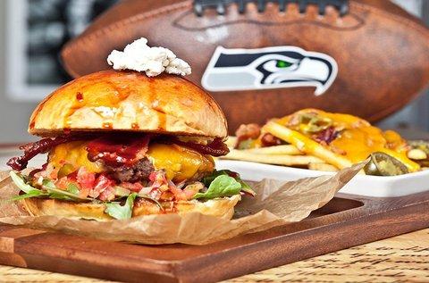 Páros burger menü csípős Hulk burgonyával
