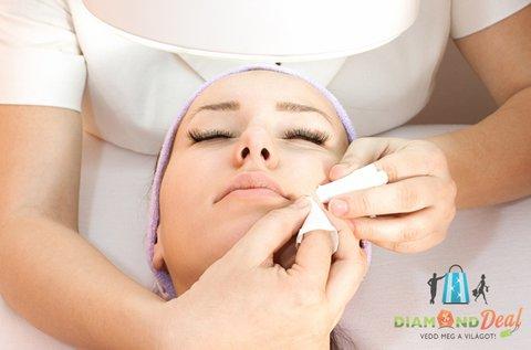 Kozmetikai arctisztító kezelés Ilcsi termékekkel