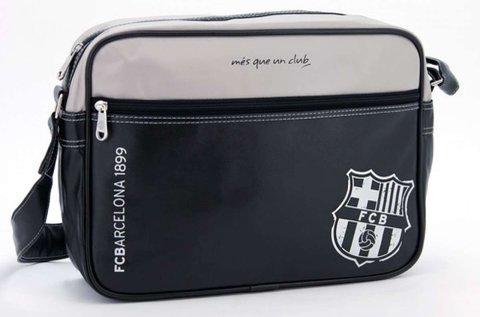 Vállra akasztható oldaltáska FC Barcelona logóval