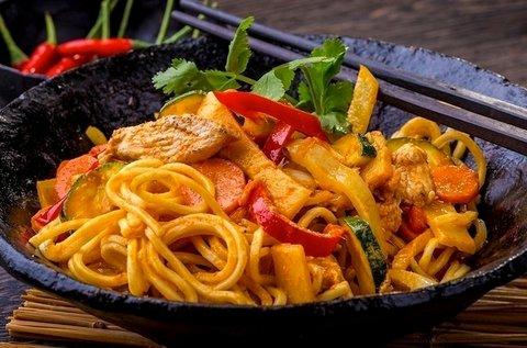 Autentikus thai menü szénsavas üdítővel