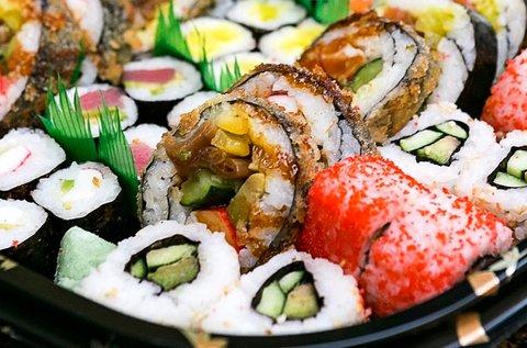 42 db-os sushi combo menü 2 fő részére