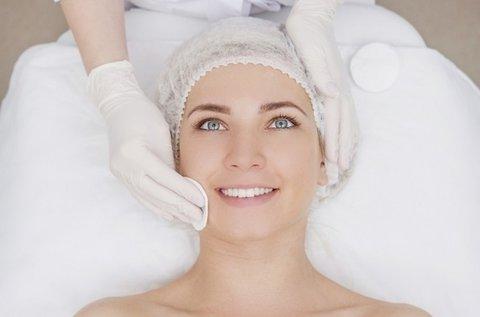 Mezoterápiás arckezelés hyaluronos pakolással