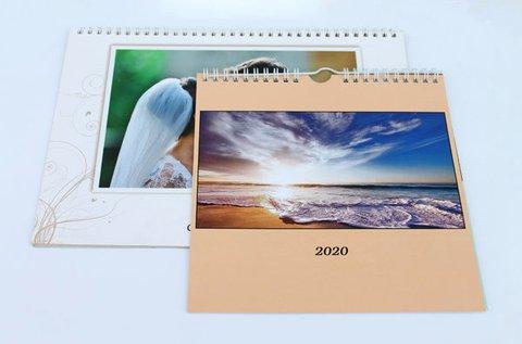 Négyzet alakú naptár saját fényképekkel