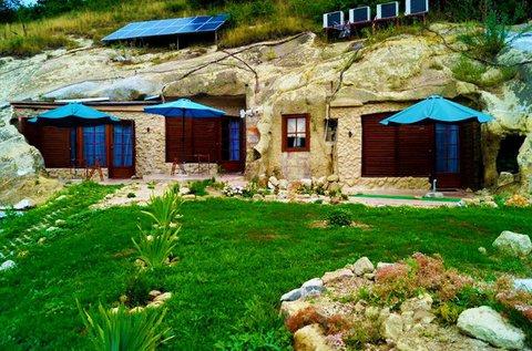 Pihenjetek a Mátrában, egy barlangapartmanban!