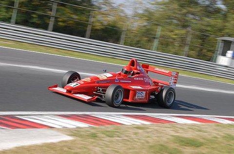 Formula autó vezetés az Euroring versenypályán