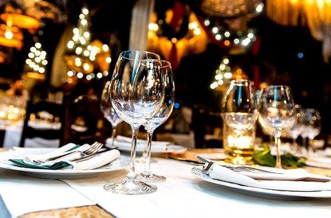 Romantikus vacsora egy dunai luxushajón