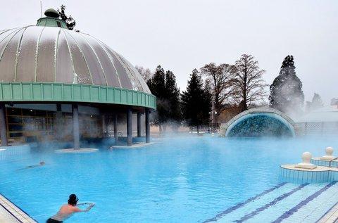 Tavaszi lazítás Egerben termálfürdő belépővel
