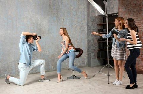 Profi stúdiófotózás sminkes és stylist segítségével