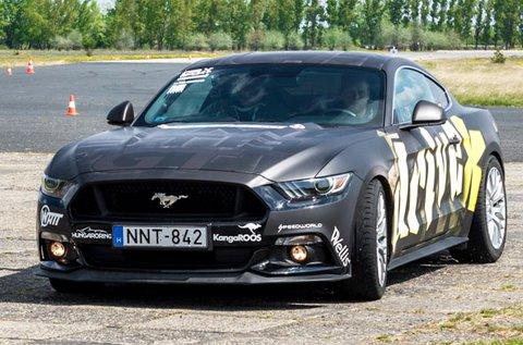 500 LE-s Ford Mustang GT vezetés Kiskunlacházán