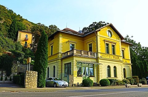 Kastélyélmény és romantika Visegrádon