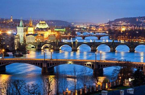Látogatás a száztornyú városban, Prágában
