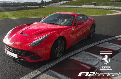 Próbálj ki egy 800 lóerős Ferrari F12 Berlinettát!
