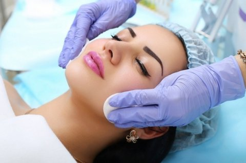 Professzionális 8 lépcsős kozmetikai arctisztítás