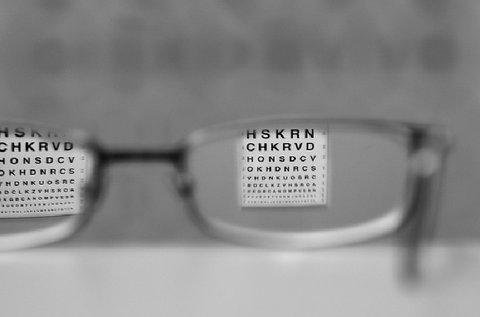 Látásvizsgálat és komplett szemüveg készítése