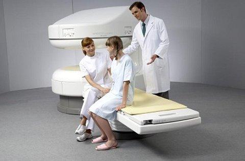 Agyi MR angiographia nyitott MRI készülékkel