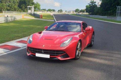 3 körös Ferrari F12 Bernelitta élményvezetés