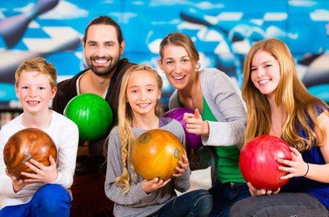 2 órás családi bowling vegyes tállal a Római-parton