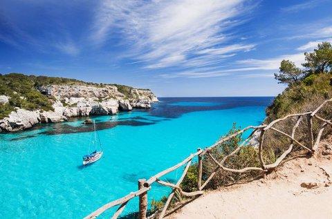 Tengerparti nyaralás Menorca szigetén repülővel
