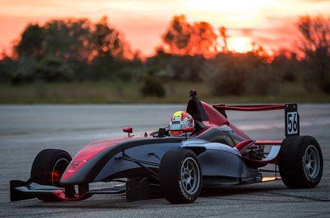2 körös Forma Renault versenyautó vezetés