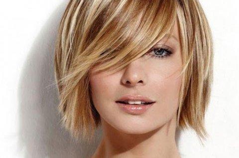 Melírozás vagy festés vállig érő hajhosszra
