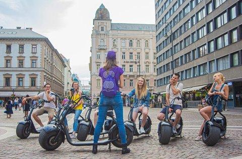 Fedezd fel Budapestet Luna e-robogóval!