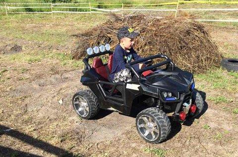 Elektromos terepjáró vezetés gyerekeknek