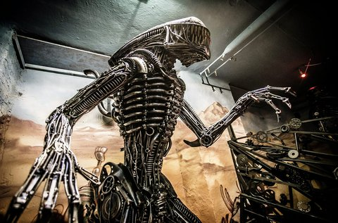 Belépő a Metal Art Gallery különleges kiállítására