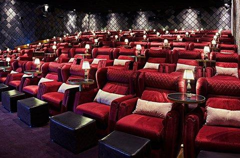 Belépőjegyek a CinemaPink 2D és 3D vetítéseire