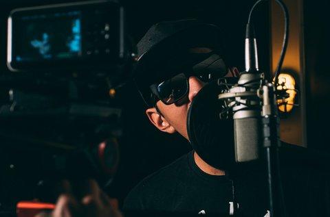 Énekelj fel egy rap dalt profi hangstúdióban!