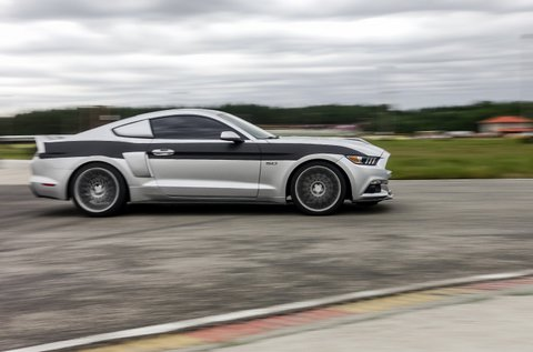 Szelídíts meg egy 500 lóerős Ford Mustangot!