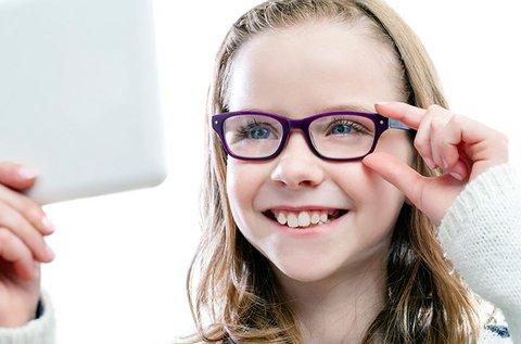 Gyermekszemüveg ellenálló műanyaglencsével