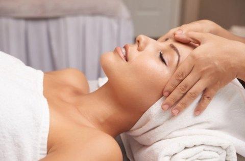 Kollagénes kozmetikai kezelés mezoterápiával