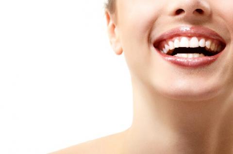 Ultrahangos alsó-felső teljes fogkő-eltávolítás
