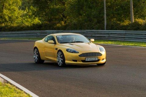 8 körös Aston Martin DB9 vezetés Kiskunlacházán