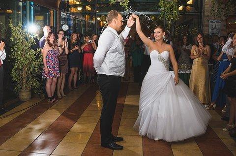 Esküvői koreográfiák betanítása jegyespároknak