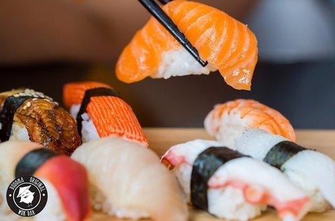 30 db-os sushi válogatás kiszállítással