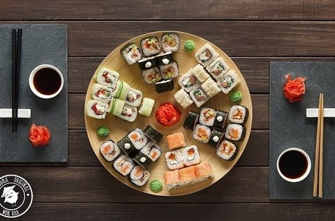 Egészséges páros sushi menü