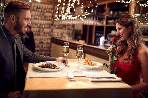Romantikus vacsora 2 főre rózsával, pezsgővel