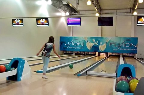 1 óra bowlingozás + 1 db 30 cm-es pizza Budaörsön