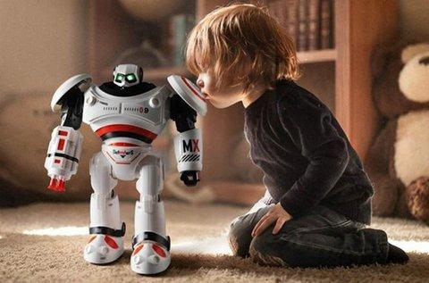 Intelligens programozású távirányítós harci robot