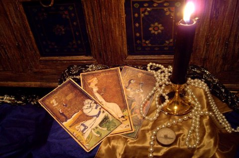 Jóslás tarot, cigány, osho és angyal kártyával