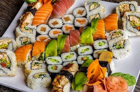 Páros sushi menü miso levessel, 38 db sushival