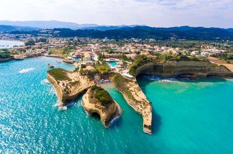 8 napos vakáció a napfényes Korfun repülővel