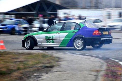 BMW E46 330i élményvezetés és drift taxi