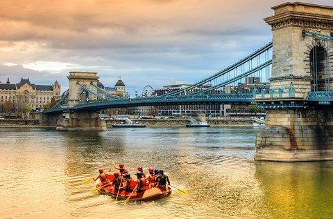 Budapesti evezős túra rafthajóval a Dunán