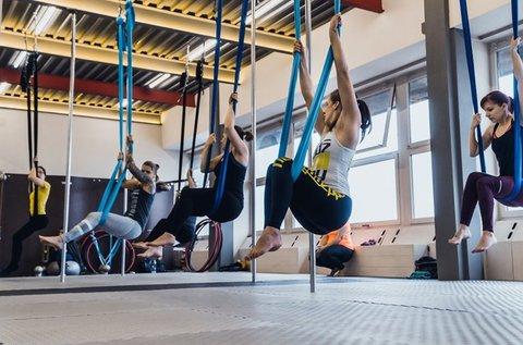 1 alkalmas Aerial jóga edzés