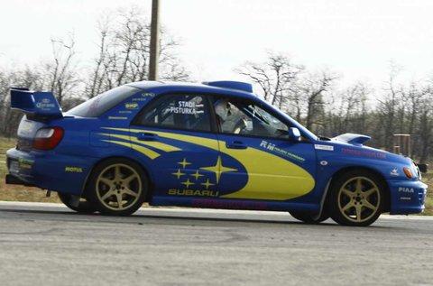 12 kör Subaru Impreza WRX rally autó vezetés