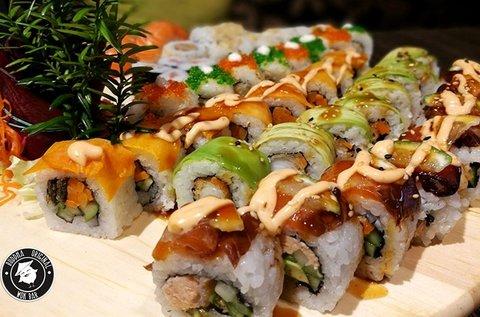 30 db-os sushi válogatás makikkal és nigirikkel